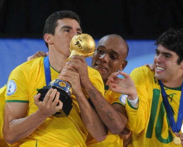 41岁巴西中卫卢西奥宣布退役,曾效力拜仁国米尤文