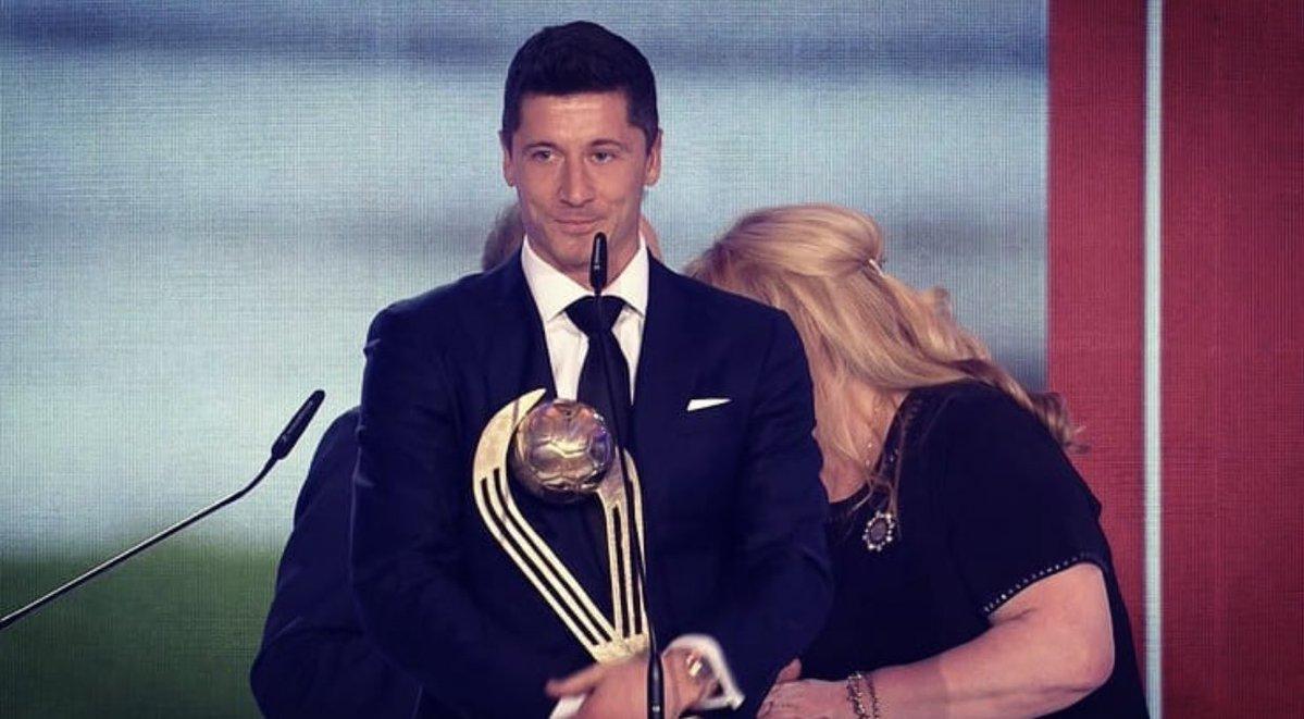 出色!莱万当选2019年波兰年度最佳球员