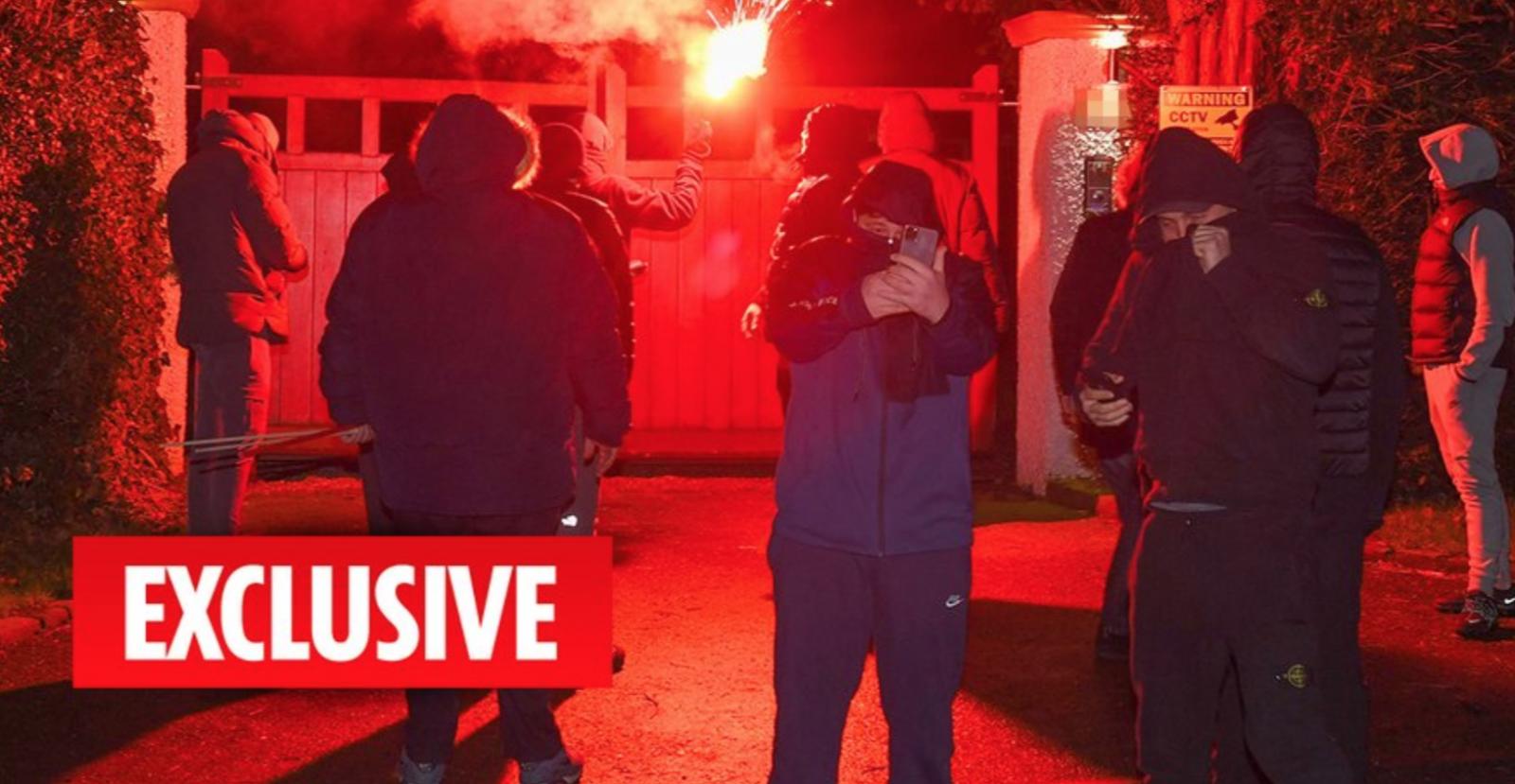 曼联指控太阳报,称其预先知道球迷袭击伍德沃德的家