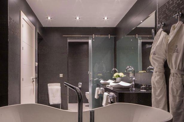 曼联冬训入住的五星级酒店,套房价格达到2000英镑一晚