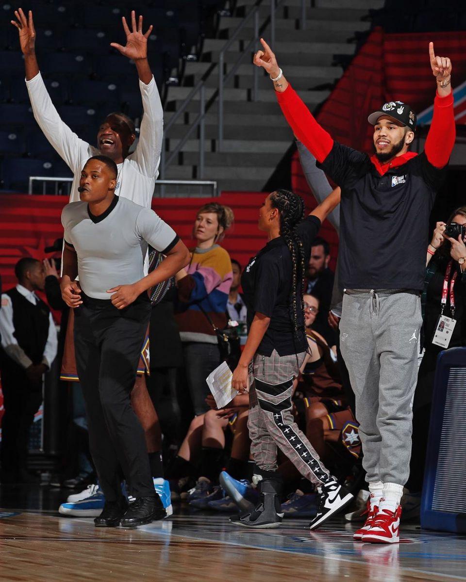 温暖有爱!塔特姆参加NBA关爱活动,执教特奥选手比赛