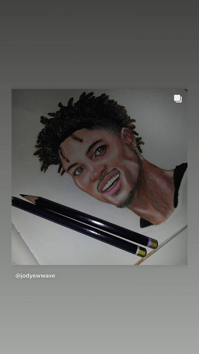 艺术是最好的疗愈!乌布雷晒多张艺术家创作的自己的画像