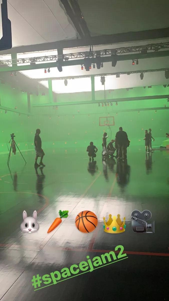 钱德尔:詹姆斯在《空中大灌篮2》中的表演撑起了全片