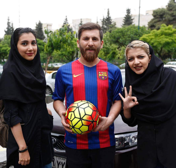 """乌龙!法国一电视台报道梅西捐款误放""""伊朗梅西""""照片"""