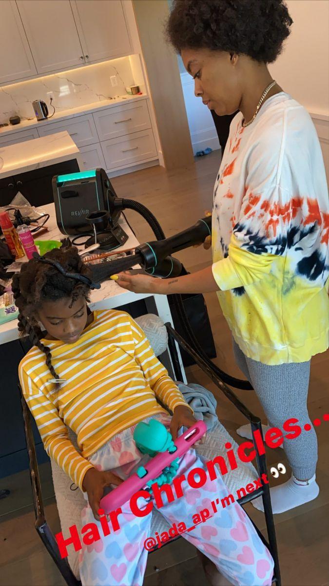 有丶忐忑?保罗晒妻子给女儿理发的照片:我是下一个
