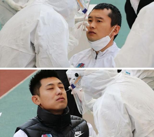 多图流:黄海球员接受咽试子检测,外援周六有望合练