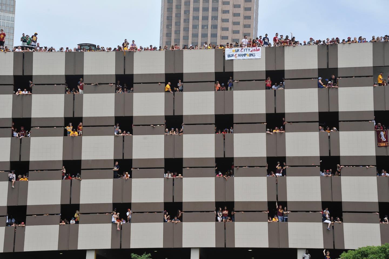 骑士官方晒图回顾四年前夺冠庆典:纪念日快乐,克利夫兰插图(3)