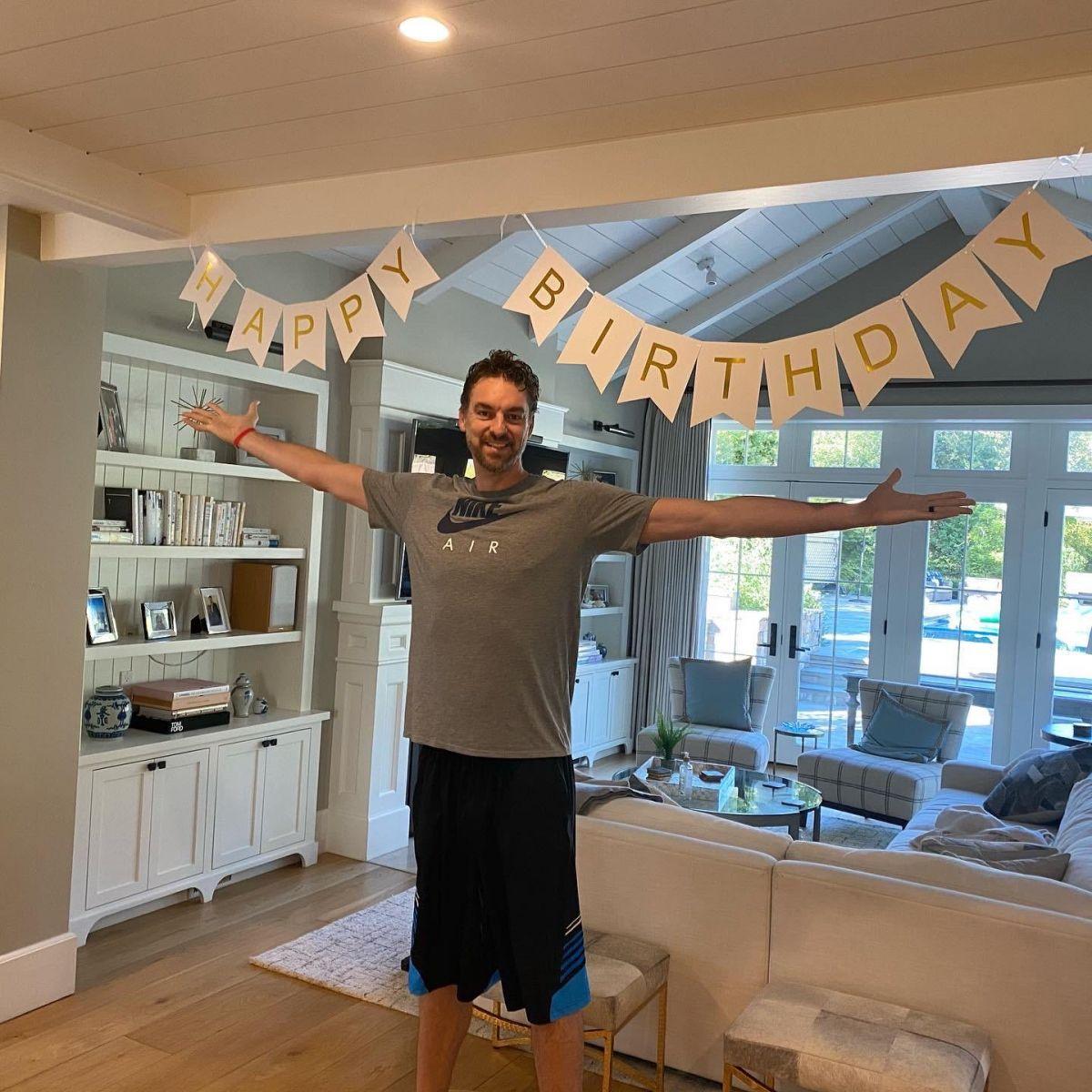 加索尔发推:昨天是我的40岁生日,真是不可思议