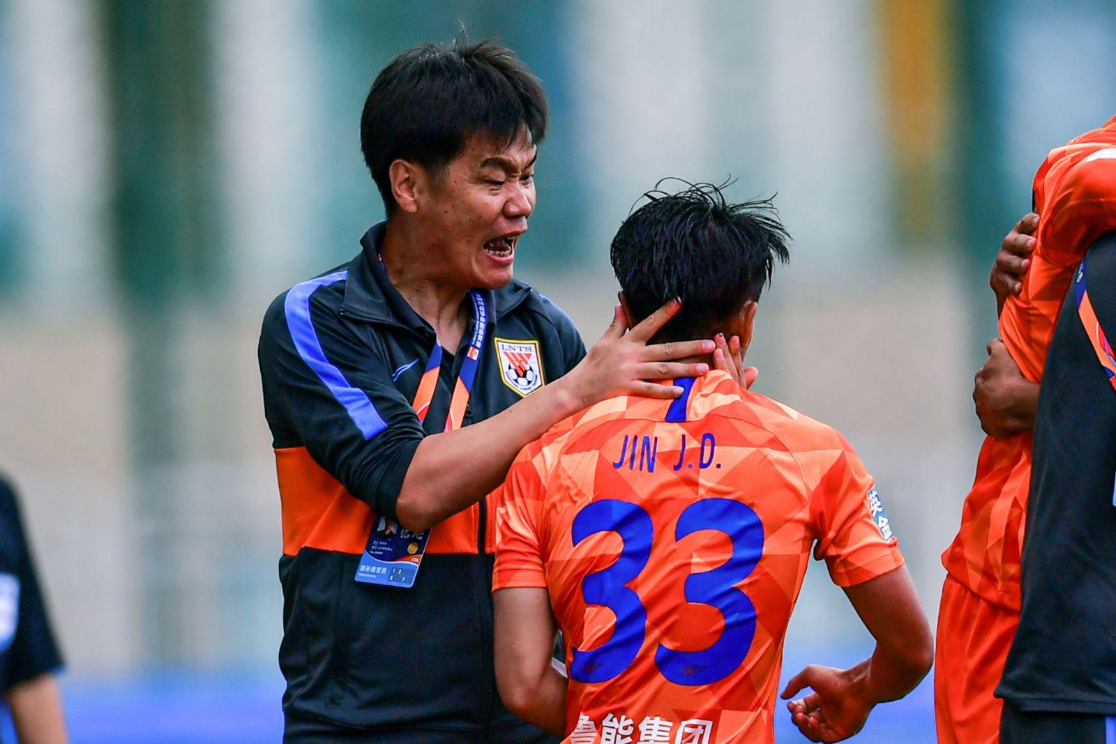 李霄鹏专访:未来目标是带出的年足球宝贝轻教练去五大联赛执教
