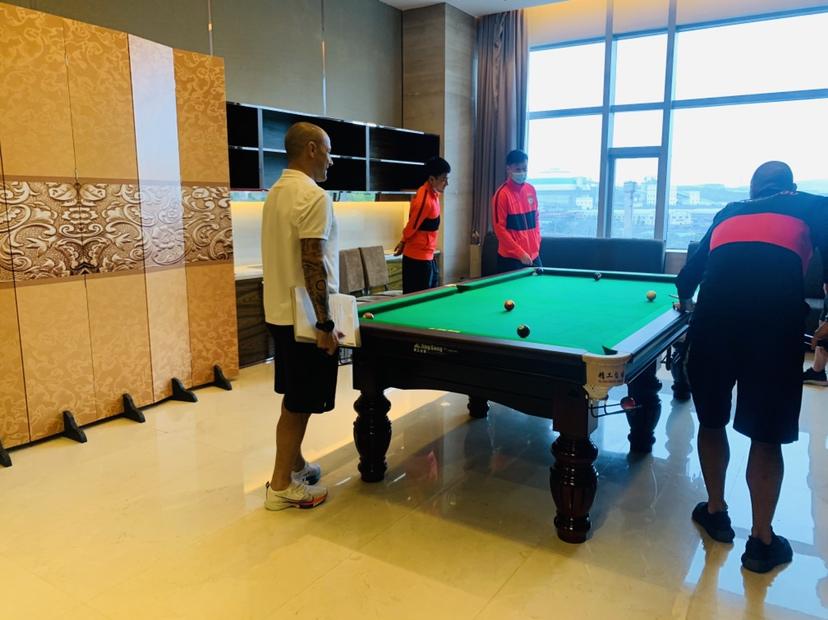 国际足球 恒大购置台球桌供球员放松,卡纳瓦罗观战弟弟亲自上阵