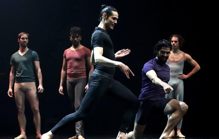 舞姿曼妙!卡瓦尼透露自己通过跳芭蕾舞保持身体状态 第2张