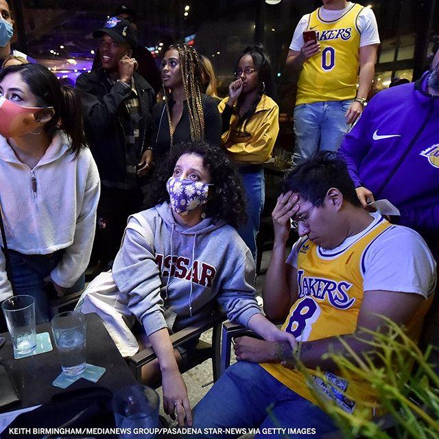 媒体晒湖人球迷线下观赛和赛后相片:我们都曾经历过