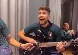 若日尼奥:在隔离期间,我学会了弹吉他,想听歌迷唱我的名字