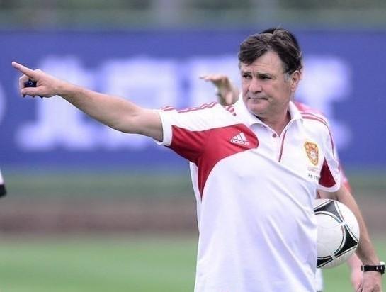 国足年底赴西班牙拉练定亚预赛主力