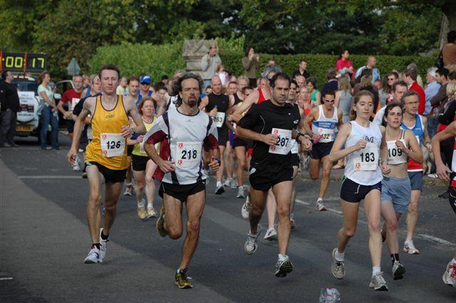 广州马拉松赛冠军重奖4万美元