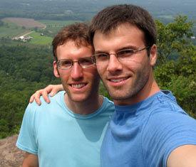 美国花样滑冰男单再现同性婚姻