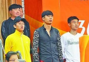 韩鹏助威鲁能男乒:欣赏张继科强大气场