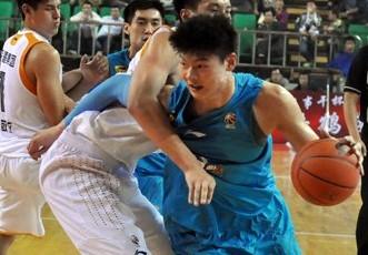 王哲林首秀16+7,福建16分胜山西