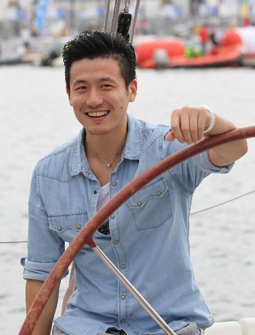 蔡赟跨界助阵帆船赛:张学友来了?