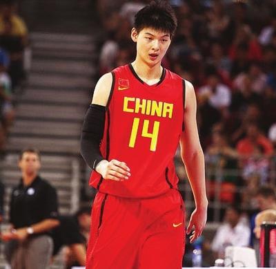 专属体能师评价王哲林:1年后能打NBA