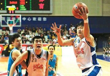 上海控卫冯甜永久转会至佛山龙狮