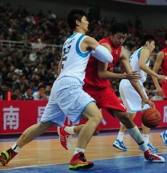 大郅寄语王哲林:未来他能扛起中国男篮大旗