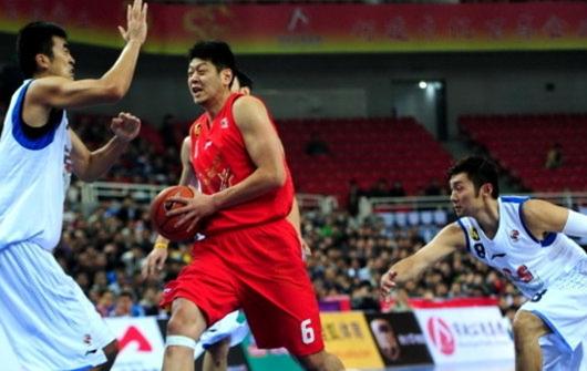 大郅19+4刘炜14分,八一力擒上海