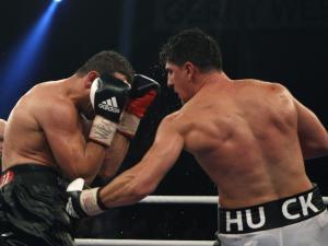 WBO次重量级拳王争霸戏:胡克胜之不武