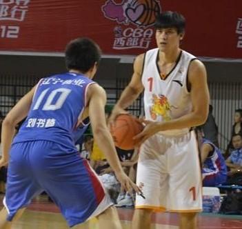 杨敬敏:CBA整体水平强于台湾联赛