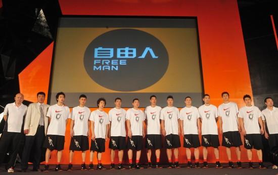 重庆男篮主帅:中欧篮球最大差距在球员意识