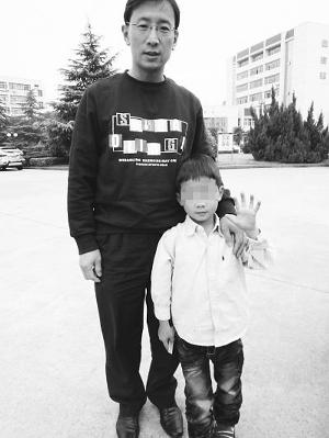 鹰爸特训4岁娃:每天跑步3000米