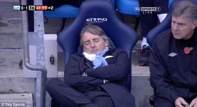 每日邮报:曼乔,你怎么睡着了