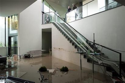 国际奥委会水灾,150人被迫在家办公
