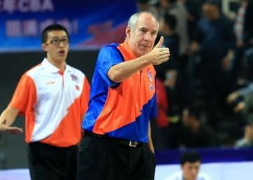 帕纳吉奥:上海必须慎重评估阿里纳斯伤病