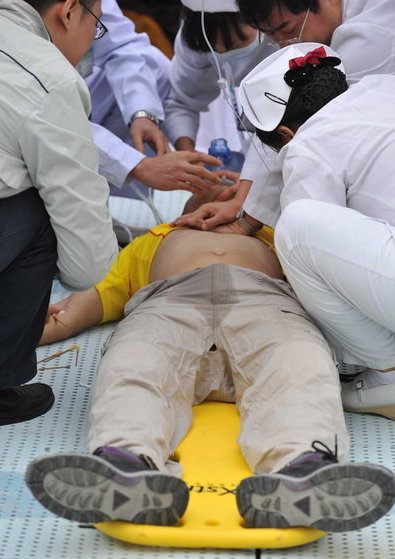 广州首届马拉松赛一名选手昏厥不治身亡