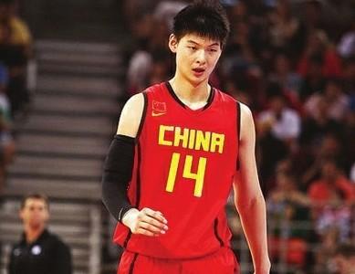王哲林:对处子赛季既紧张又兴奋