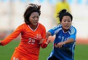 女足联赛河南赛区无休息室球员赛场更衣