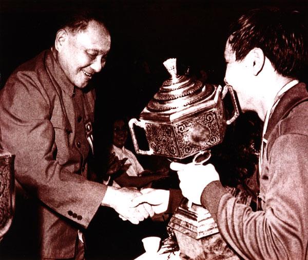 中国首位羽球男单世界冠军逝世