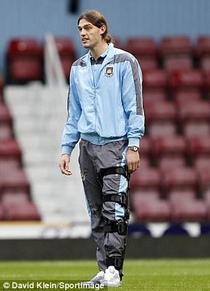 邮报:卡罗尔膝盖韧带受伤或休战8周