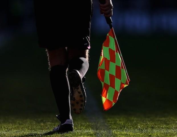 荷兰边裁执法青年队比赛后被殴打致死