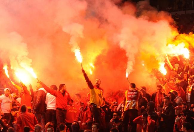 土耳其轮椅赛球迷闹事,警方动用催泪瓦斯