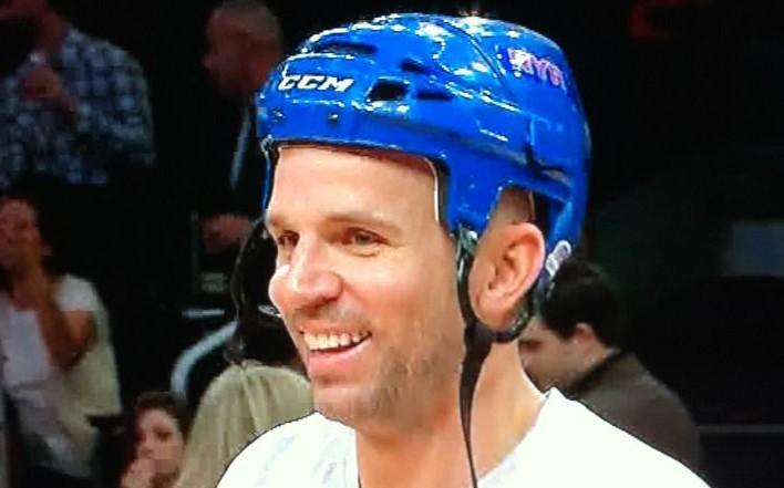 基德:戴头盔是为避免队友讨论我的头部肿胀