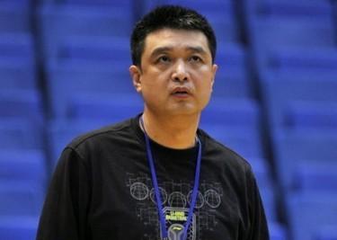闵鹿蕾:重点防守新疆队外线