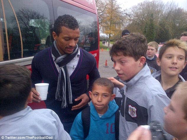 球迷推特爆料称纳尼出现在阿森纳训练场边