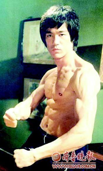 外国拳师质疑:中国功夫只适合拍电影?