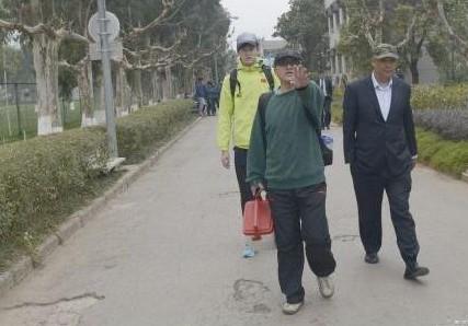 网曝孙杨不允许拍照,对记者爆粗口
