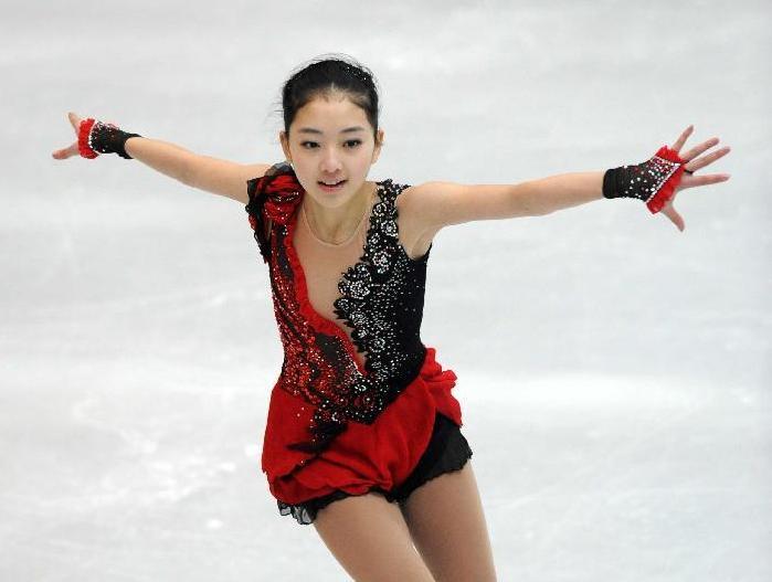 花样滑冰全国锦标赛:宋楠李子君折桂