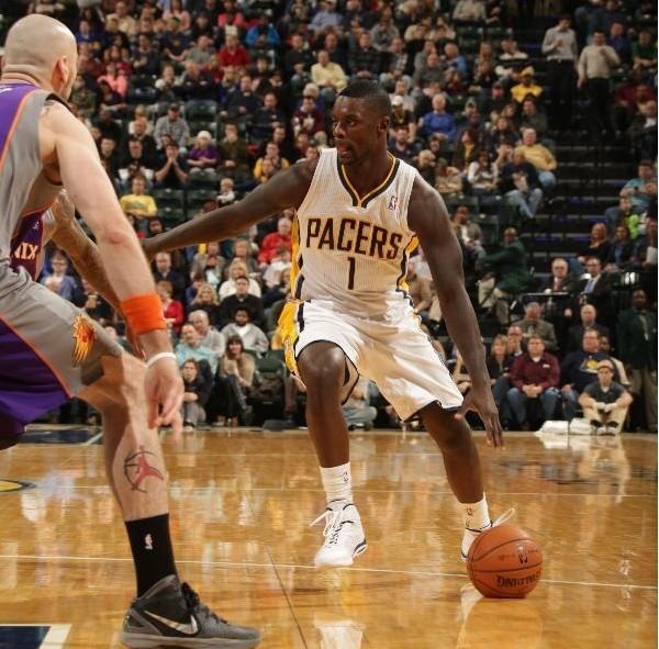 篮板创新高!史蒂芬森:试着让队友融入比赛
