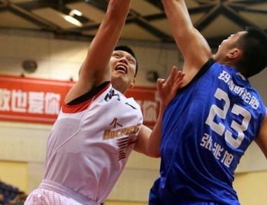 18篮板!张兆旭刷新个人生涯单场篮板纪录