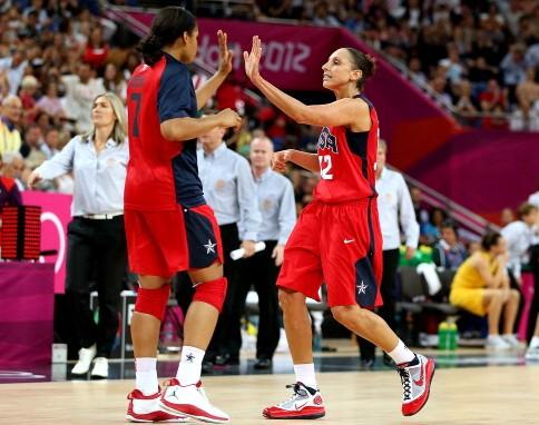 山西洋帅:摩尔超桃乐西,是女篮史最佳前锋